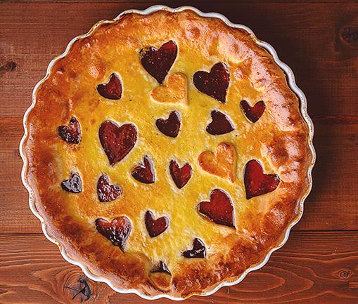 Image Tartă cu dragoste și gem de căpșuni