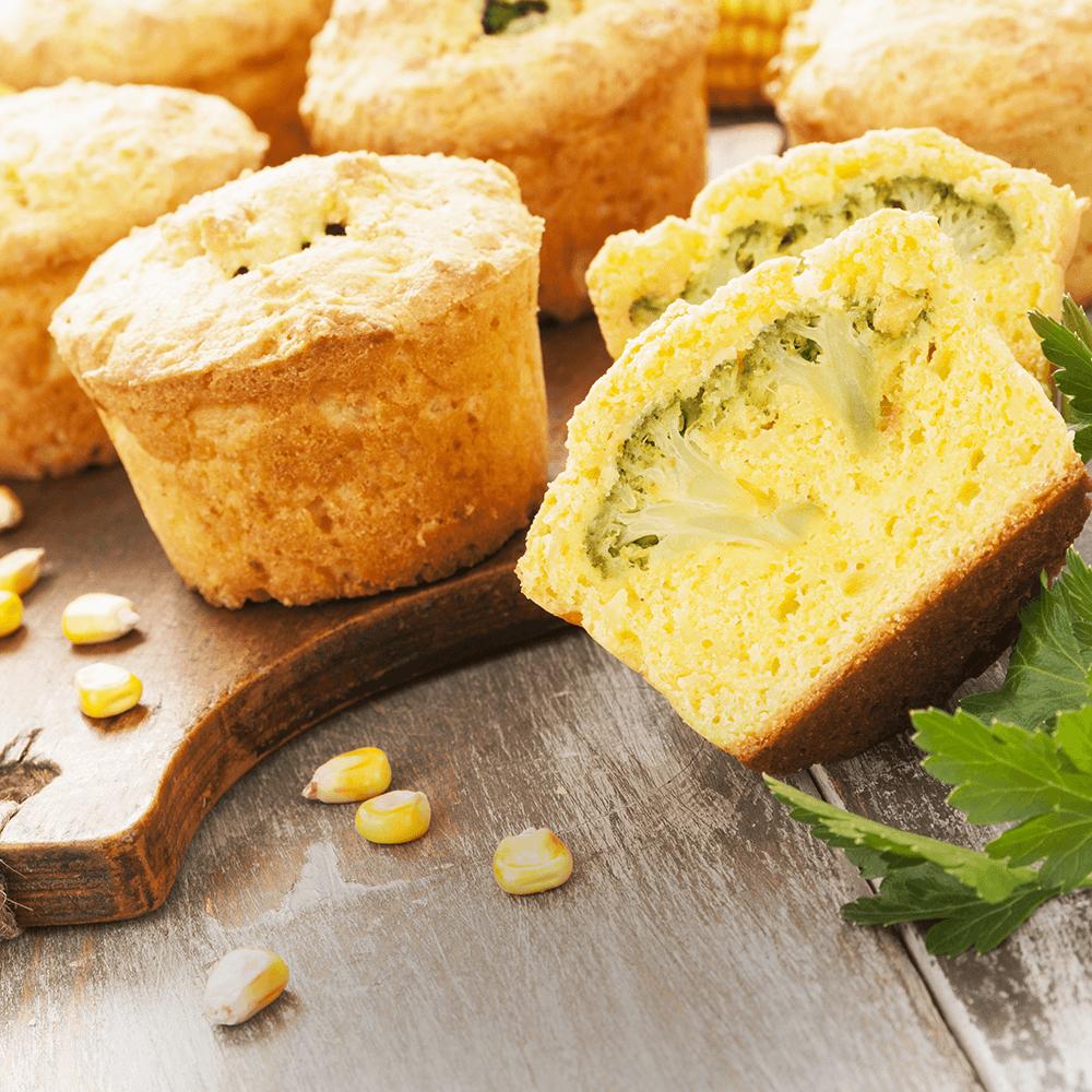 Image Brioșe cu mălai și broccoli