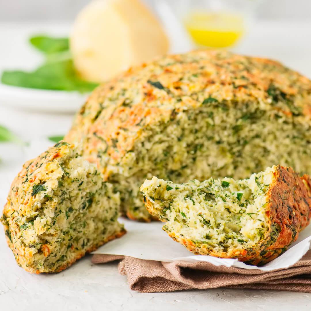 Image Pâine de casă cu busuioc și usturoi verde