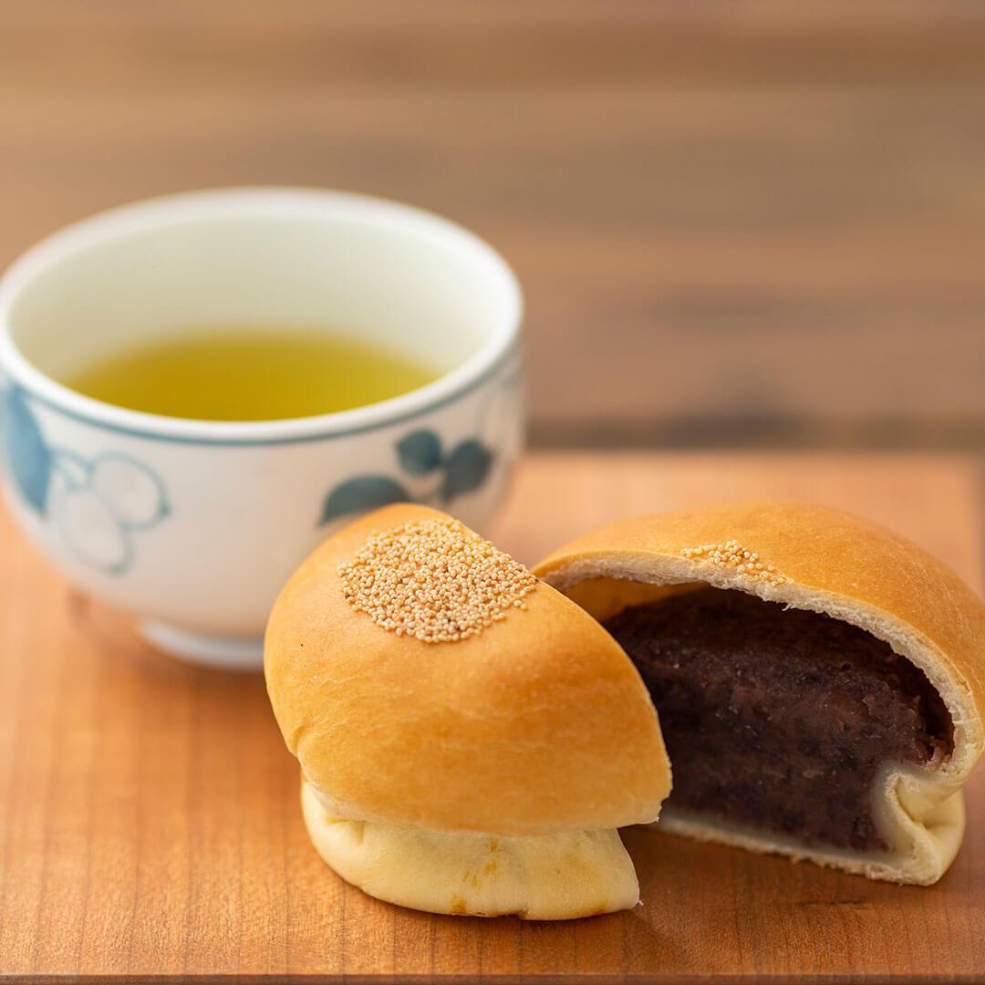 Image Anpan, pâinici rumene umplute cu pastă de fasole