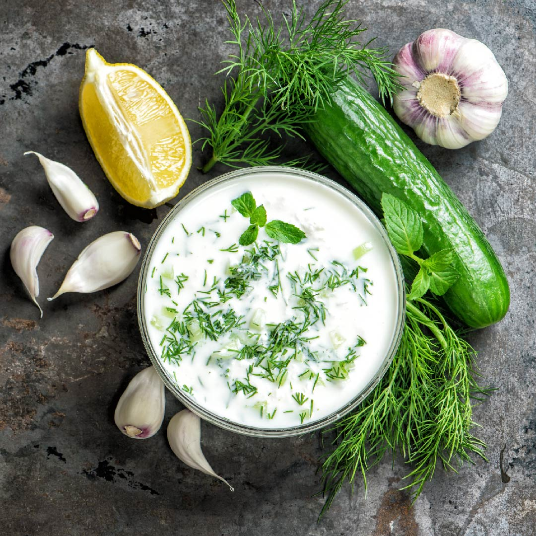 Image Sos tzatziki cu pită grecească de casă