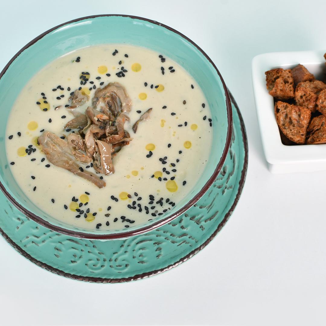 Image Ciorbă de burtă vegană și crutoane din pâine de casă
