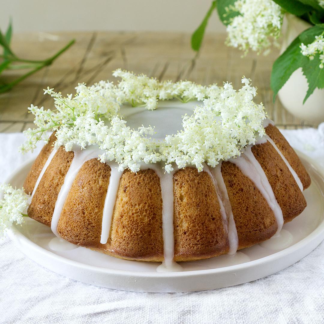 Image Tort cu sirop de lămâie și soc